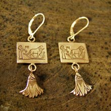 Leo Earrings in 14K Gold
